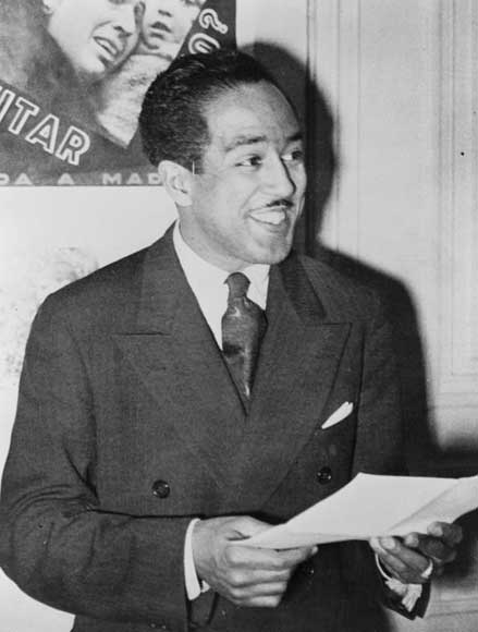 "harlem renaissance langston hughes essay The harlem renaissance brought about many great changes it was a time for expressing the african-american culture hughes, langston ""harlem"" the heath anthology of american."