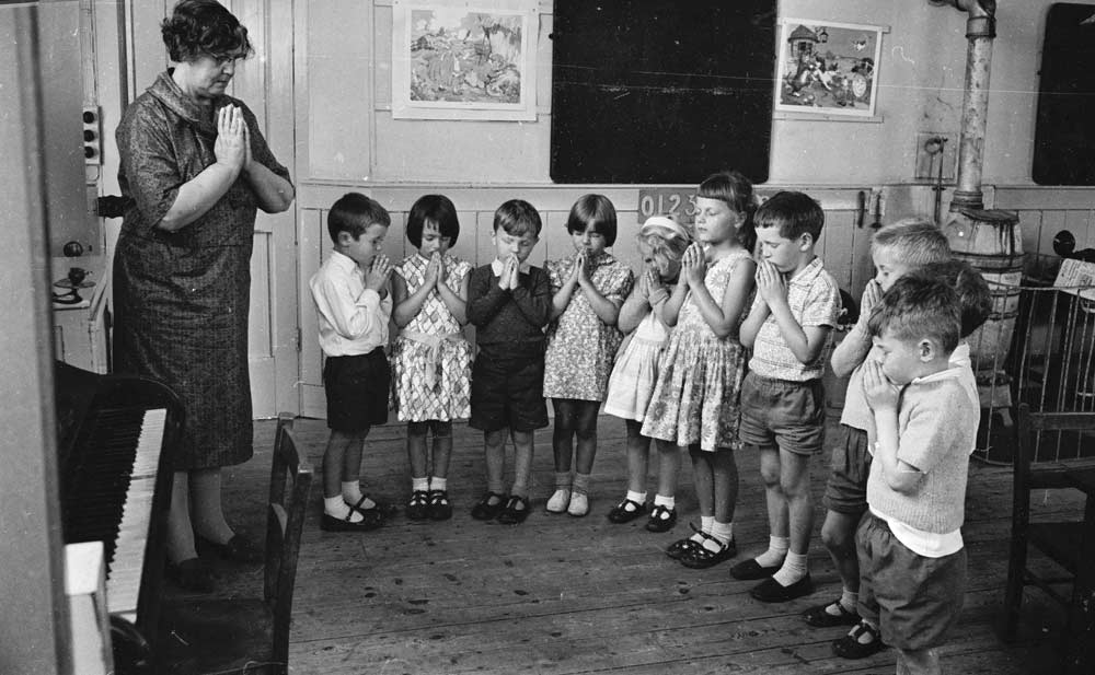 a discussion about school prayer Religion in the public schools may 2007 nearly a half-century afterthe supreme court issued its land- mark ruling striking down school-sponsored prayer,americans continue to.