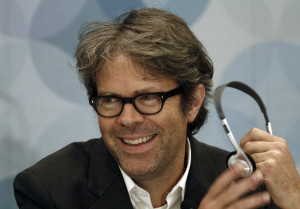 US writer Jonathan Franzen smiles during a press conference at the International Book Fair of Guadalajara, Mexico, on November 24, 2012, in Guadalajara, Jalisco state. AFP PHOTO/Hector Guerrero        (Photo credit should read HECTOR GUERRERO/AFP/Getty Images)
